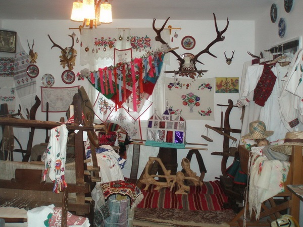 Четвертий рік дивує відвідувачів приватний музей старожитностей в закарпатському селі Велика Уголька