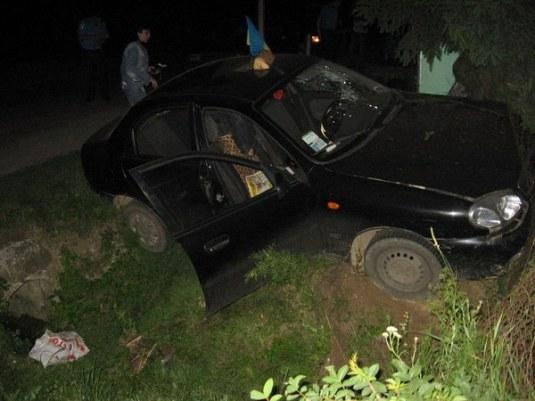 Таксист, який збив пішоходів біля кафе, — чоловік працівниці Ужгородського міськрайонного суду?