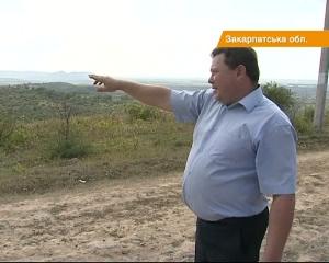 Українсько-румунський кордон розділив село Хижа на дві частини (ВІДЕО)