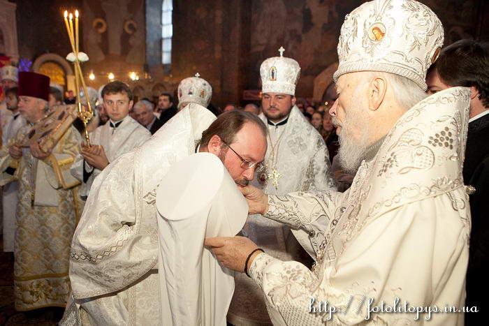 Закарпатець з Чумалева став другим в історії краю митрополитом (ФОТО, ВІДЕО)