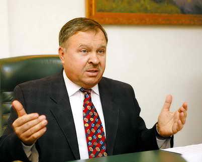 Шаповал: якщо КС відбере мандати Балоги і Домбровського, буде колапс