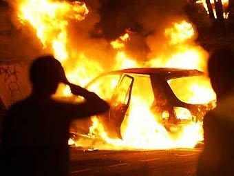 Уночі на Закарпатті горіли два автомобілі
