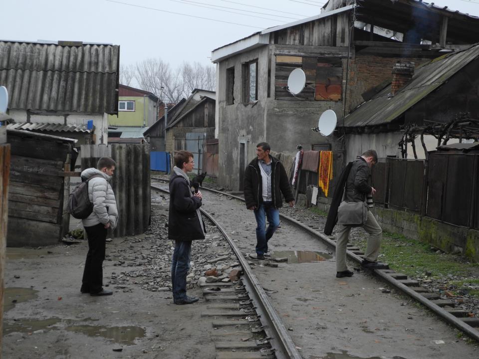 Два вантажні вагони в Ужгороді зійшли з рейок, ледь не пошкодивши житловий будинок - Цензор.НЕТ 1470