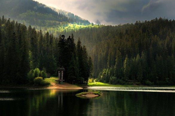 Водоспад Шипіт та озеро Синевир – у десятці природних див України, які варто відвідати