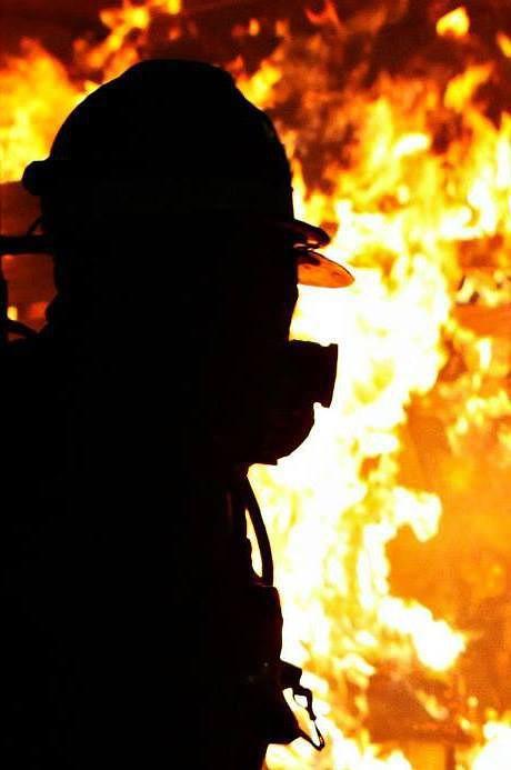 Під час пожежі на Міжгірщині жінка вчасно вивела із будинку двох дітей