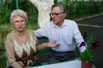 У супругов Мигая и Марии Мигалега разные национальности, они ходят в храмы разных конфессий, но это не мешает им жить в мире и согласии уже 46 лет (фото автора)