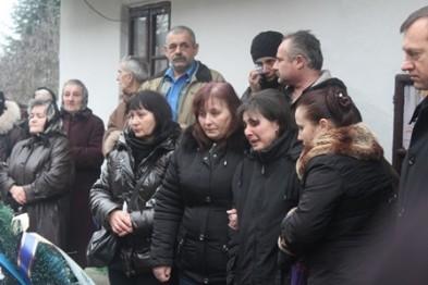На Ужгородщині у Доманинцях попрощалися із Юрієм Біровчаком, який загинув на Сході (ФОТО)