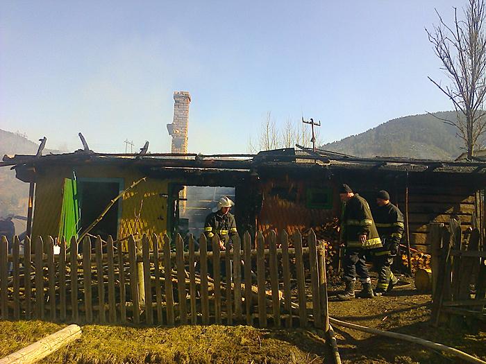 Спалювання сухостою обернулося знищенням споруд та речей