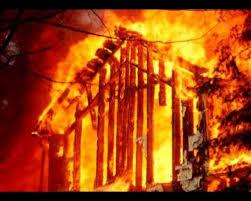 У Майдані згорів дерев'яний будинок