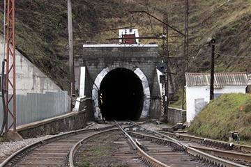 П'ятьма пострілами з пістолета невідомі розстріляли охоронця бескидського тунелю