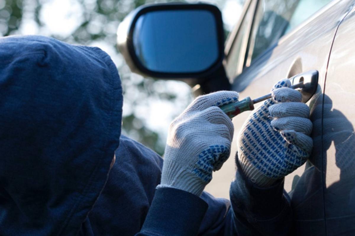 В присутності батьків 17-річний закарпатець - крадій зізнався у скоєному