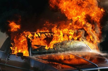 За вихідні на Закарпатті горіло 3 автомобілі, Audi в Широкому на Виноградівщині вигоріло дощенту