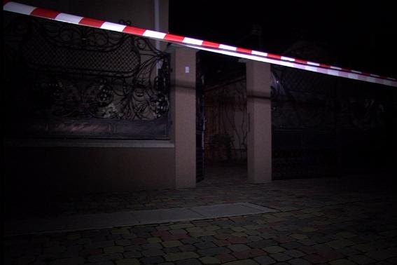 На Закарпатті розшукують убивцю пенсіонерки, котру мертвою виявили у власному будинку (ФОТО)