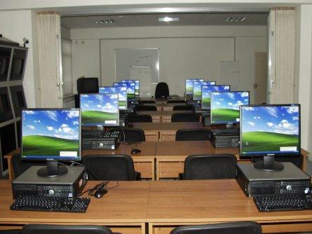 У День Святого Миколая для шкіл Закарпаття мають передати 885 комп'ютерів