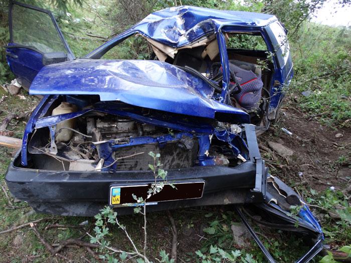 Внаслідок ДТП пасажир легковика загинув, а водій – в реанімації