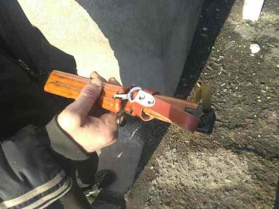 На Виноградівщині агресивний закарпатець погрожував перехожим штик-ножем