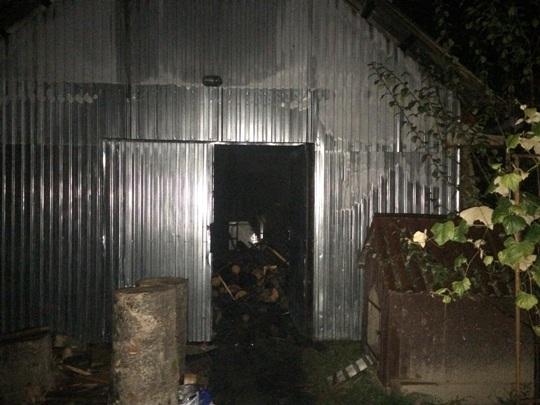 Пожежа на Свалявщині: горіла надвірна споруда