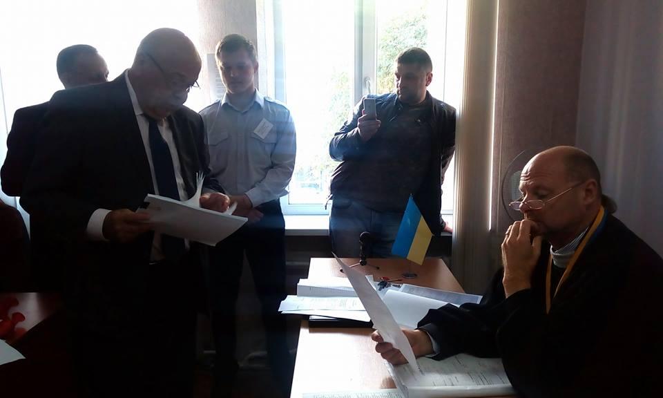 """Суд в Ужгороді відмовив забудовникам ГЕС на Хустщині в позові """"проти Москаля"""" (ФОТО, ВІДЕО)"""