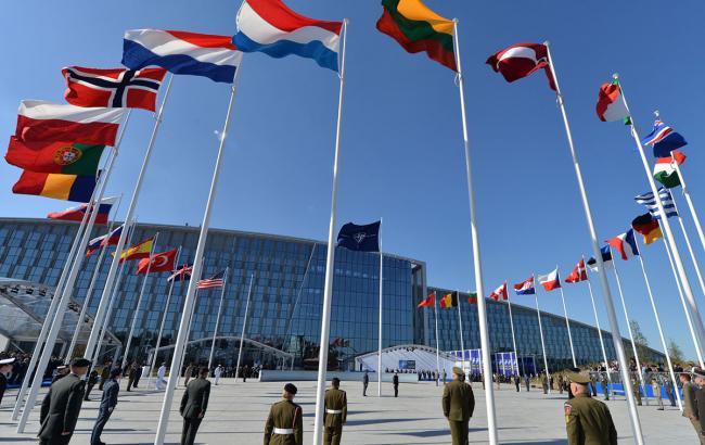 Блокування Угорщиною євроінтеграції України опротестували 11 країн-членів НАТО