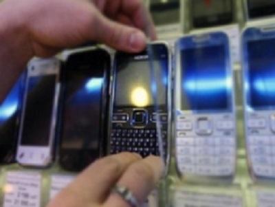 У Виноградові чоловік викрав із магазину, в якому стажувався, 6 мобільних телефонів на 36 тис грн