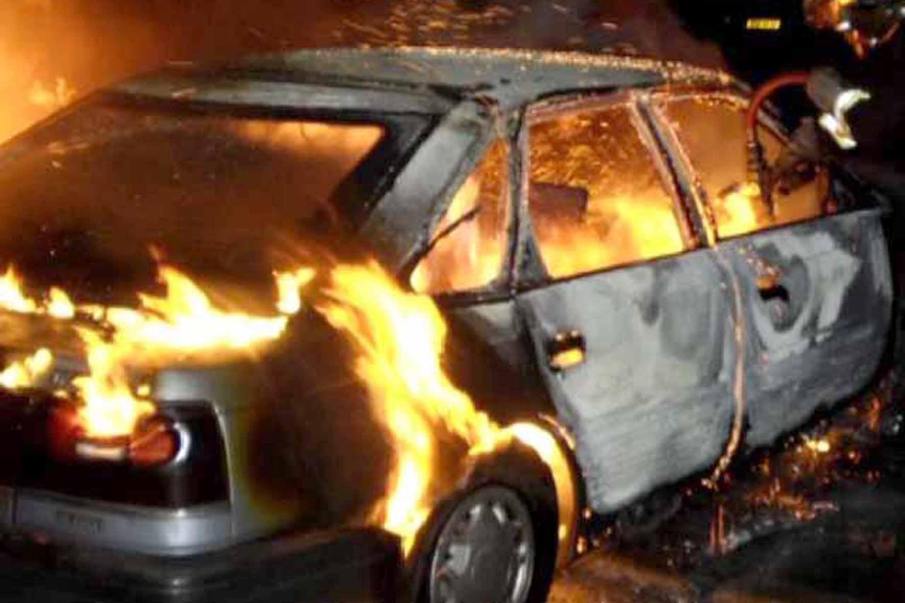 На Виноградівщині пожежа понищила ВАЗ 2101