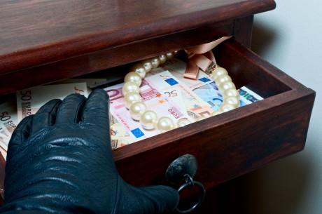 В Іршаві господарі, повернувшись додому, заблокували до приїзду поліції двох юних грабіжників