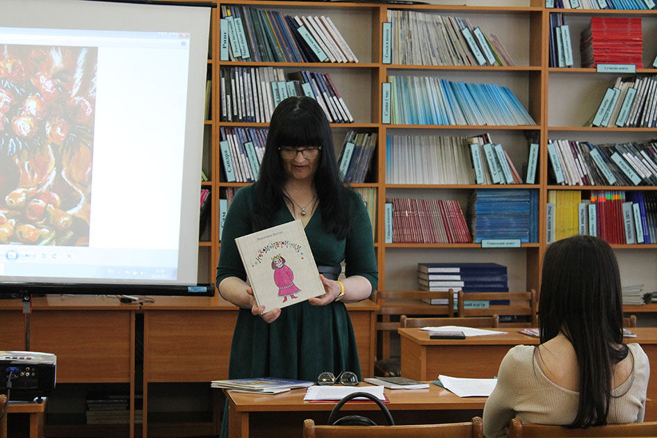 Письменники Виноградівщини відкрили серію зустрічей літераторів з районів в Ужгороді (ФОТО)