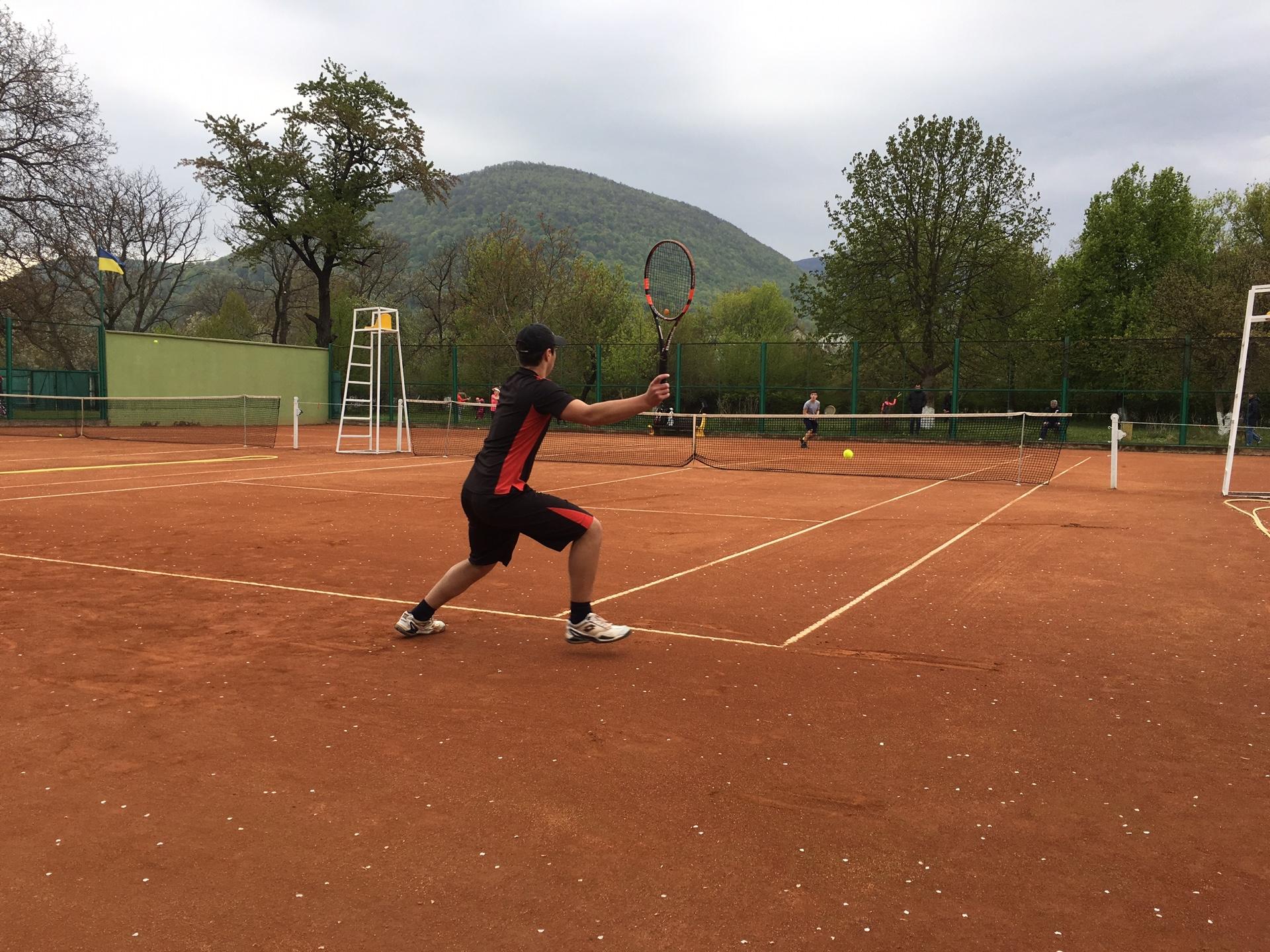 Відкрита першість Тячівської ДЮСШ з тенісу зібрала понад 90 учасників (ФОТО)