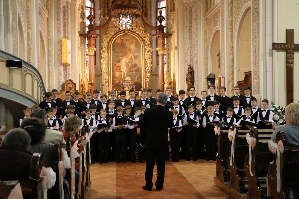 У Мукачеві відбулося традиційне весняне Свято хорової музики (ФОТО)