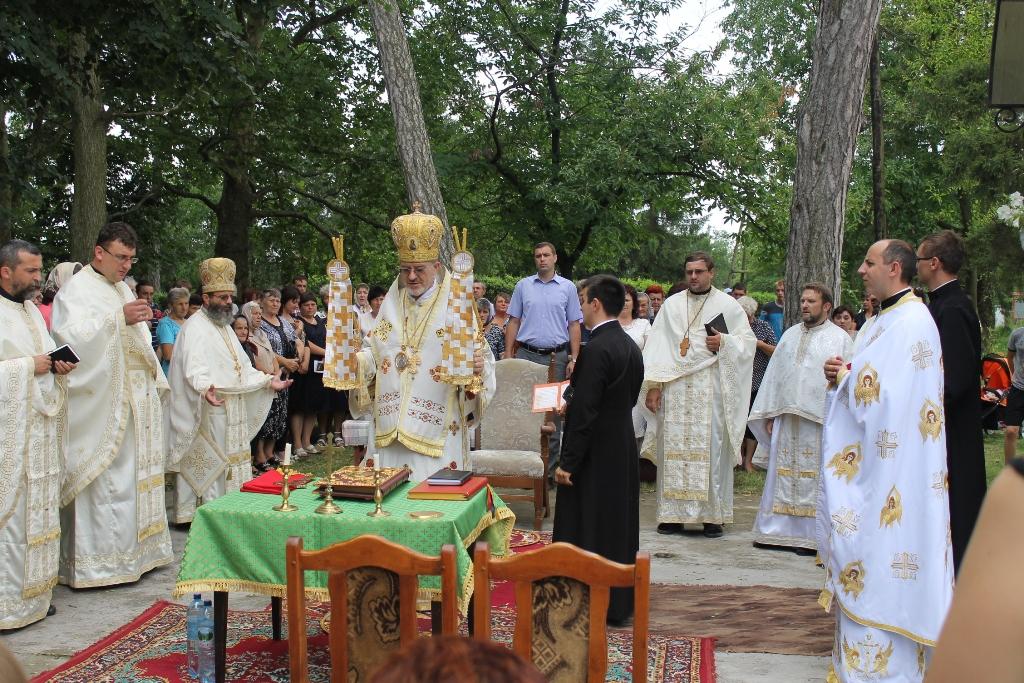 На Виноградівщині освятили відреставровану дзвіницю (ФОТО)