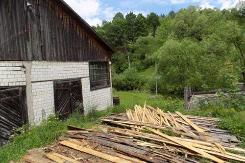 Два мешканці райцентру обікрали деревообробний цех