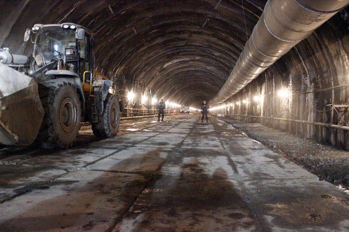 Будівництво Бескидського тунелю, що з'єднає Львівщину і Закарпаття, планують завершити 6 листопада