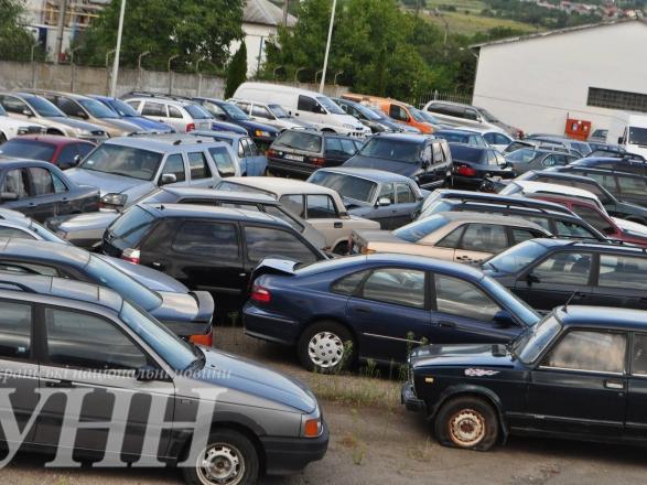 В Ужгороді на потреби військових передали 4 конфісковані автомобілі