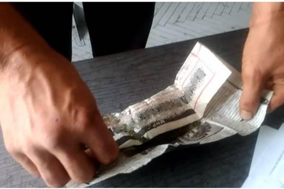 У Хусті зловили чоловіка, котрий на вулиці курив марихуану, а вдома зберігав привезені зі сходу набої