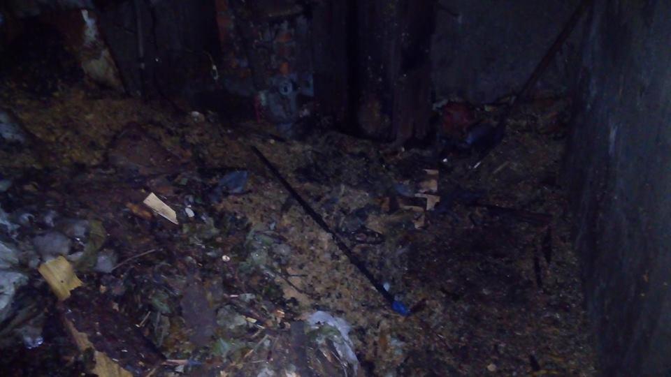 У Мукачеві гасили пожежу в підвалі будинку, вивівши із задимленості 8 людей