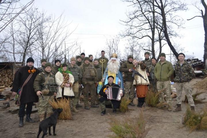 300 л голубців наготували й передали до свят воякам на Схід мешканці Руського Поля, що на Тячівщині
