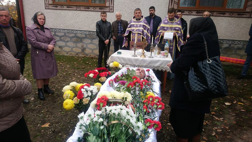 В Іршаві провели в останню путь катованого в полоні й полеглого в російсько-українській війні добровольця Петра Ваша