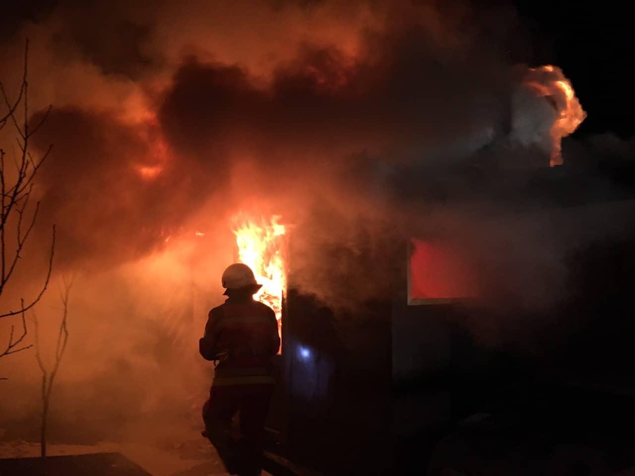 На Свалявщині згоріла надвірна споруда (ФОТО)