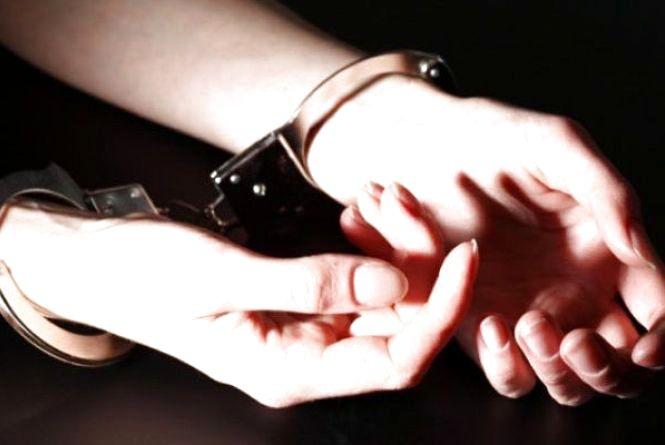 Скеровано до суду справу ревнивиці, котра під дією алкоголю вбила співмешканця руків'ям сокири