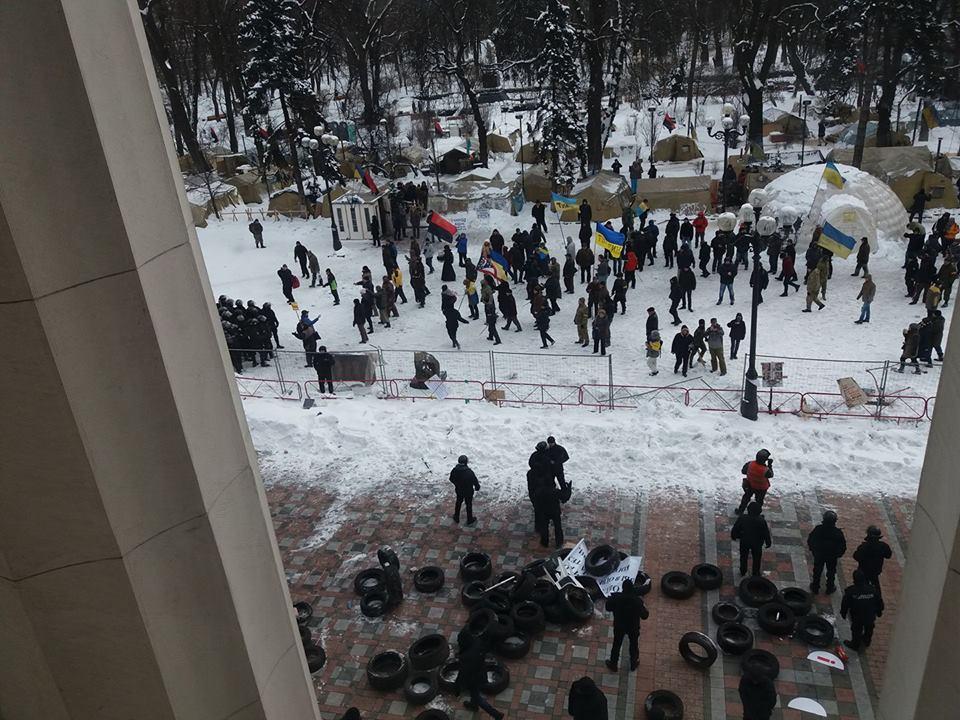 У Києві під ВР затримали протестувальників, серед яких – і закарпатці