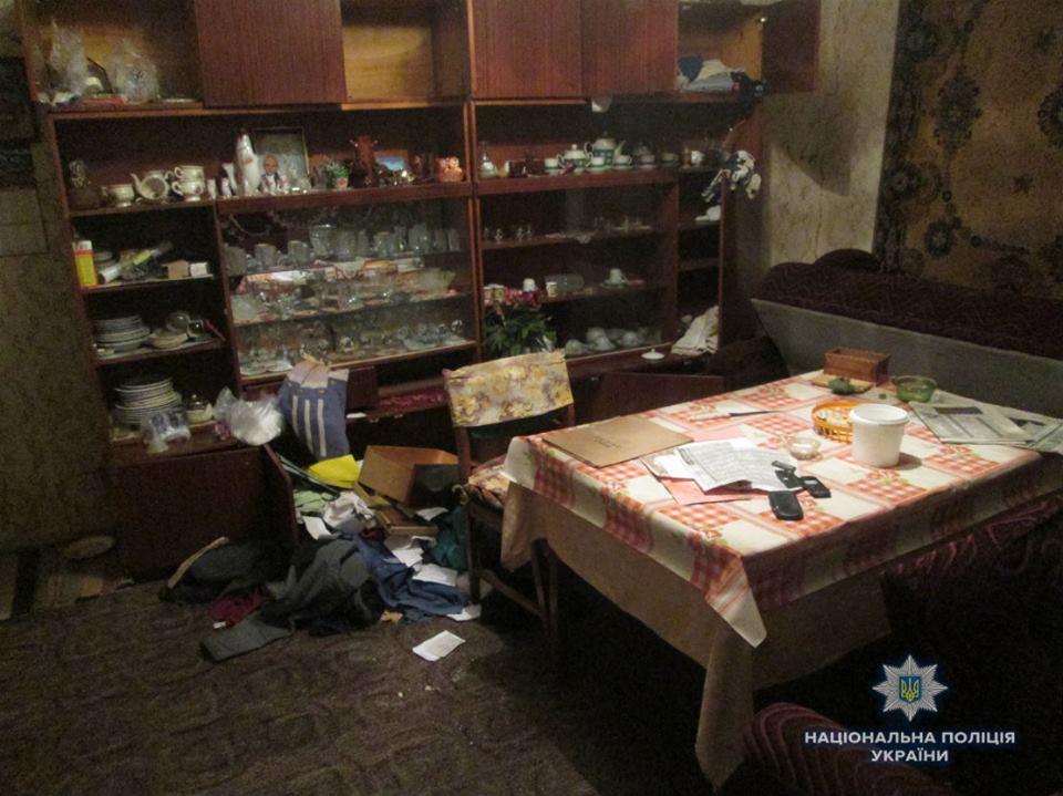 Трьох учасників групового збройного пограбування на Ужгородщині взято під варту, їхнього