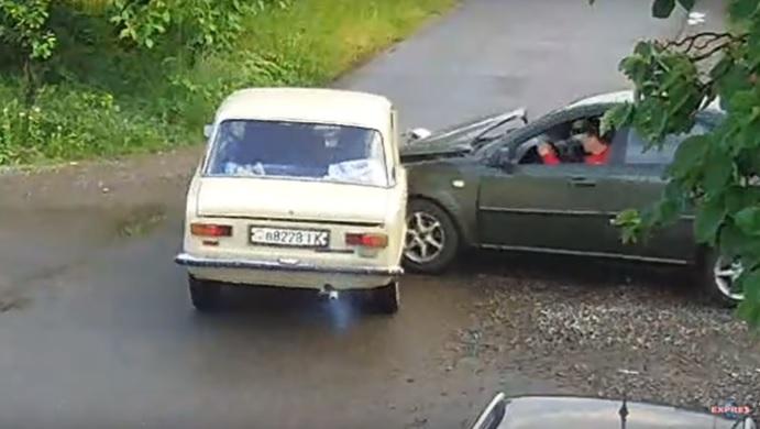 У Виноградові зіткнулися ВАЗ та Chevrolet (ВІДЕО)
