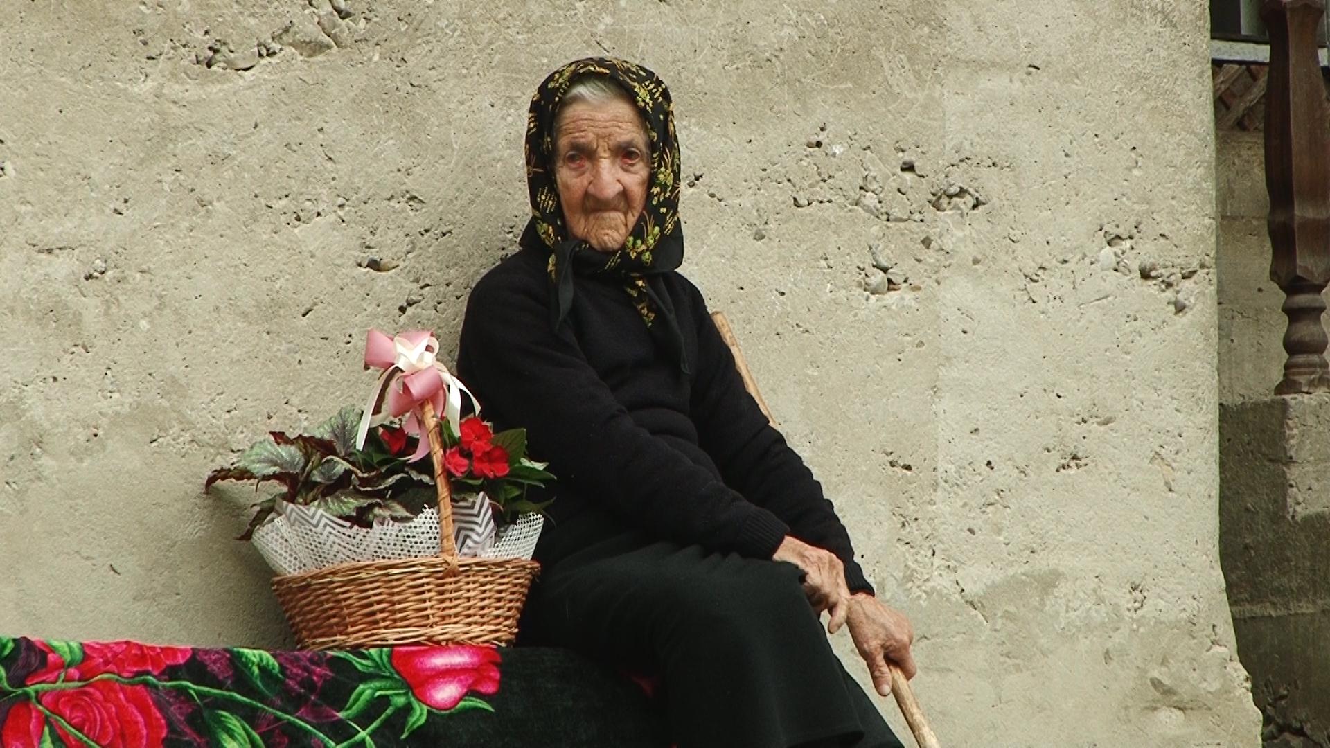 Довгожителька з Тячівщини відзначає 101-й день народження (ФОТО)