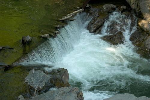 Жителі Великого Бичкова на Рахівщині збирають збори проти будівництва 7-ми міні-ГЕС на річці Шопурка