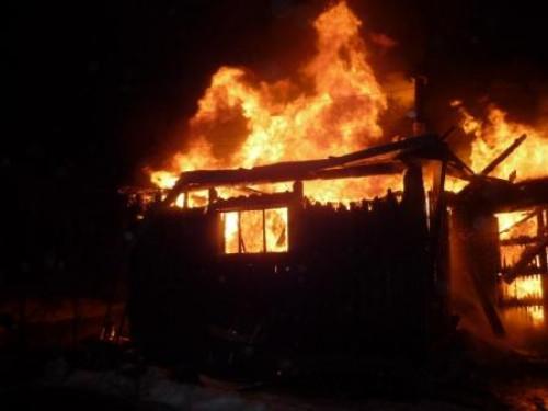 Під час пожежі згорів будинок, сіно та дрова й загинула корова