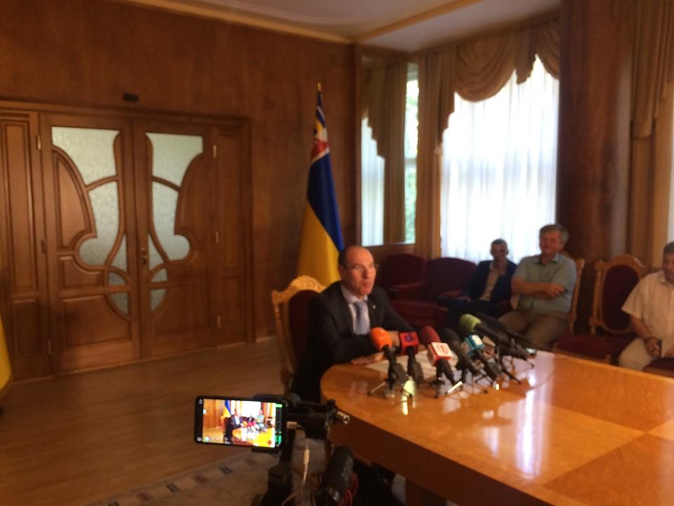 Голова Закарпатської ОДА Бондаренко публічно заявив, що полонина Боржава має бути збережена