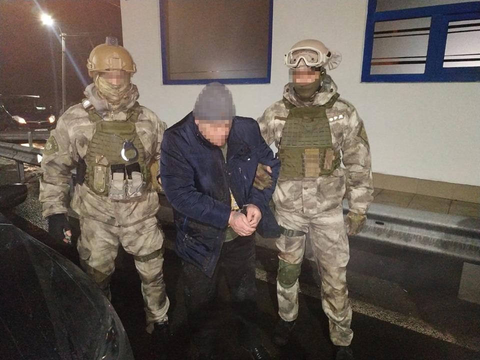 Затриманого на Закарпатті із пів кілограмом опію дніпрянина взято під варту із можливістю внесення застави у сумі 2 млн грн
