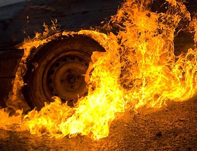 На Виноградівщині та в Ужгороді горіли автомобілі