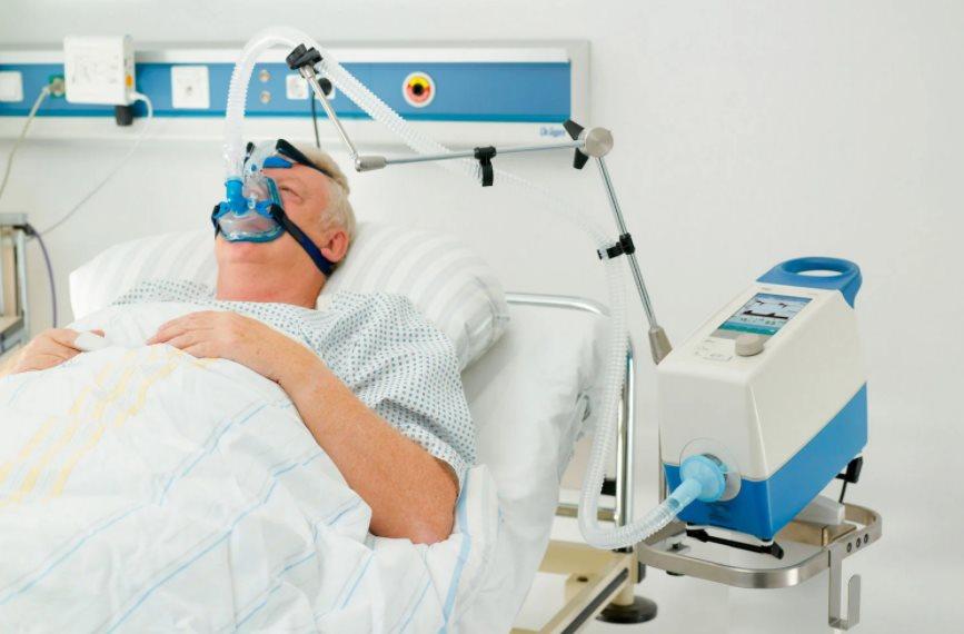 """Наразі """"коронавірусні"""" лікарні на Закарпатті забезпечені киснем всього на 50%"""