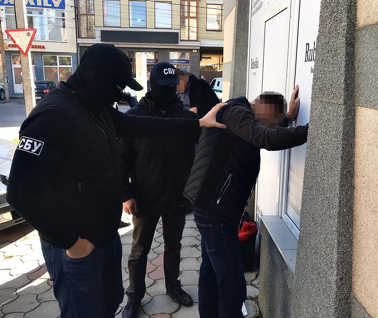 Результат пошуку зображень за запитом Начальнику одного з відділів Держекоінспекції, затриманому на Закарпатті на хабарі, затверджено обвинувачення
